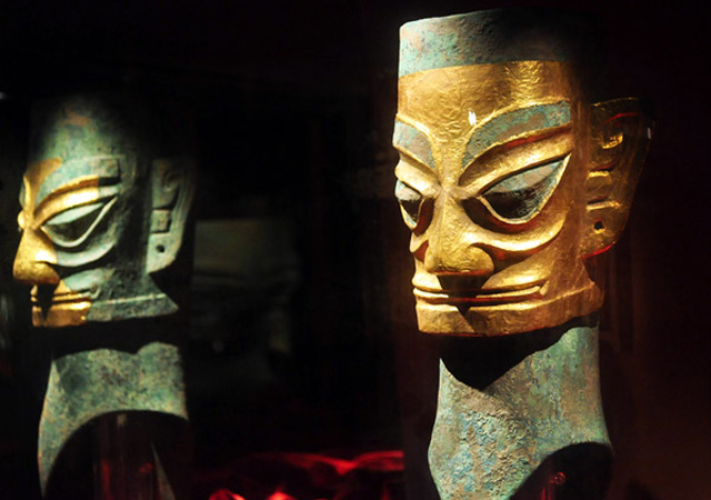 bronze-human-head-with-gold-mask