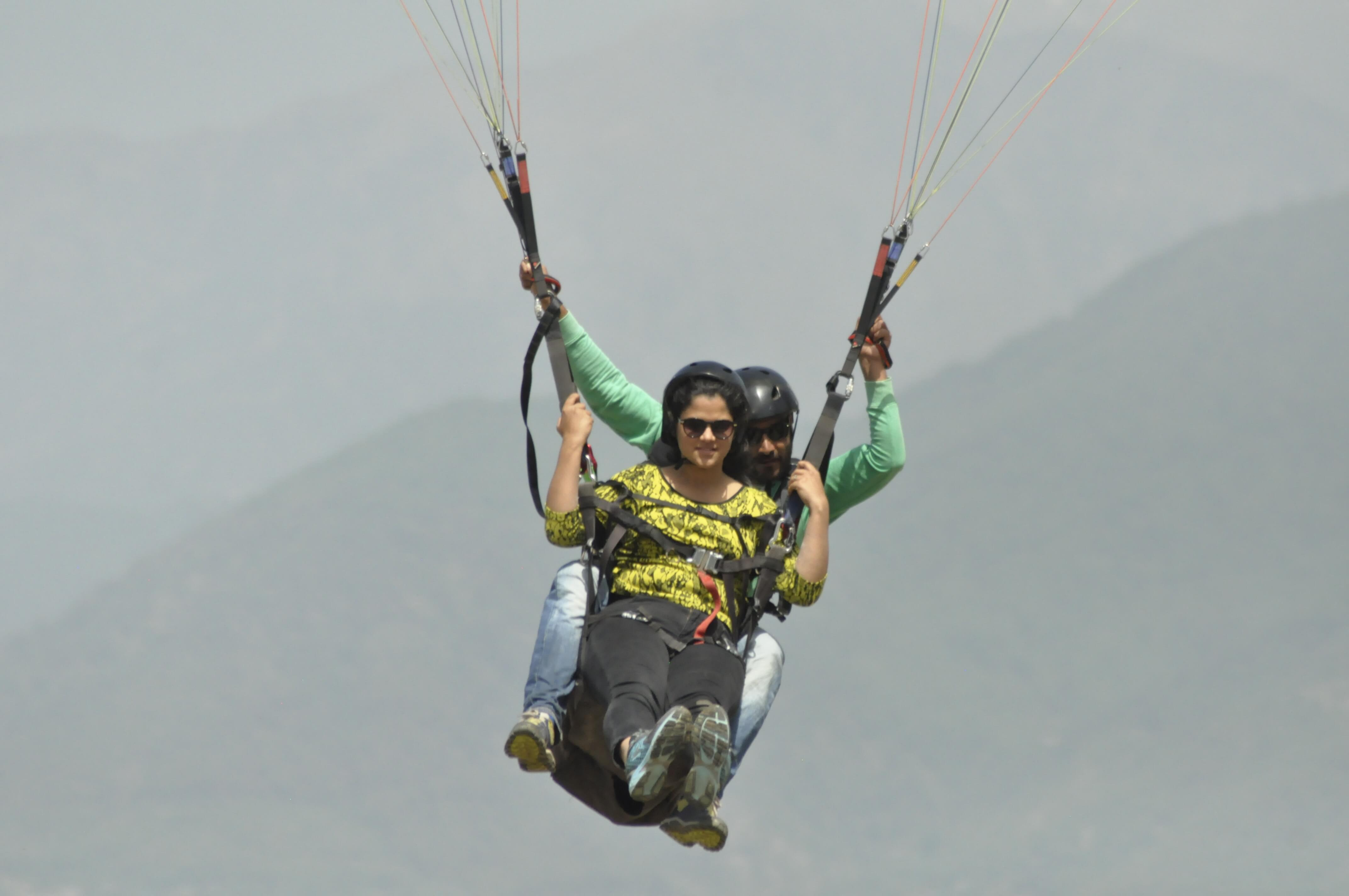 paragliding in Bir Biling with WOW